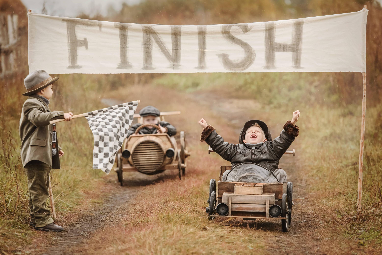 © Kinder beim Rennen – adobe.stock.com