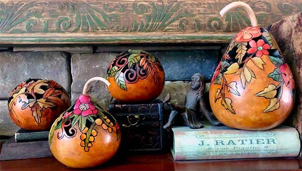 Gourd art by Janet Holloran-Bratcher