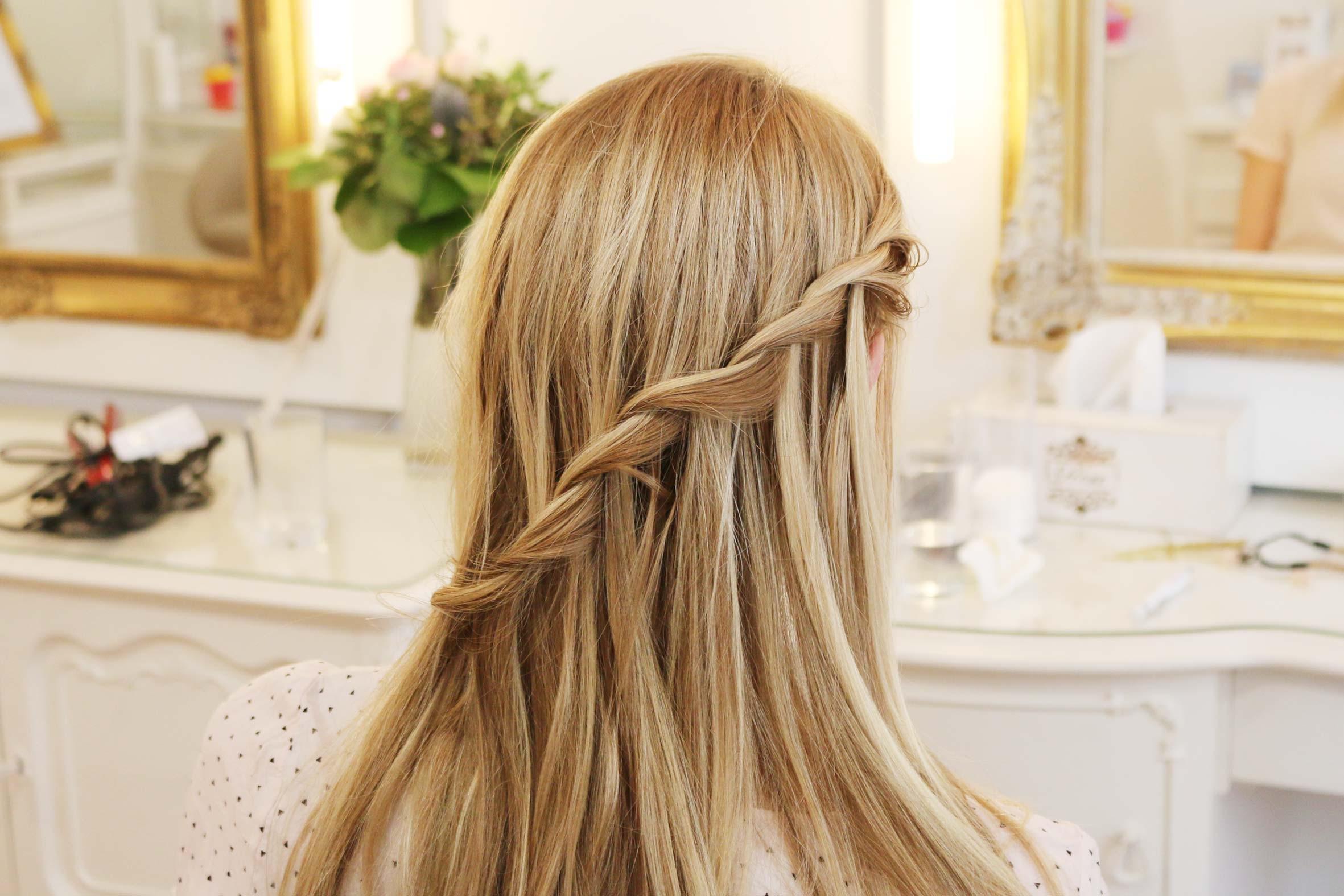 lerne im flecht frisuren kurs in berlin, dir in lange haare ein flechtelement einzubauen