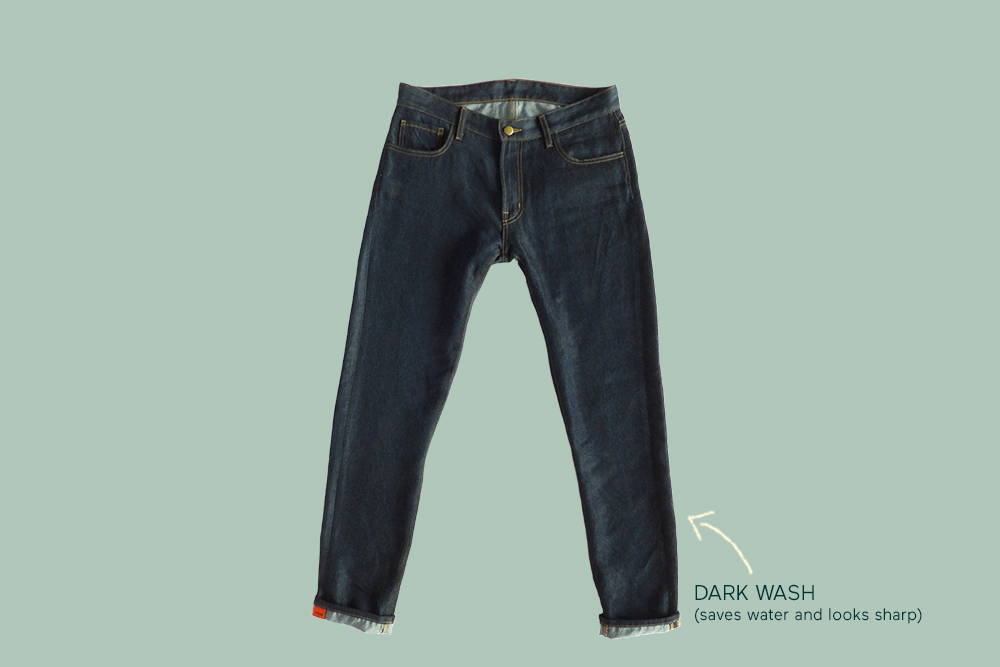Comfortable again&again jeans with an arrow pointing to the dark wash