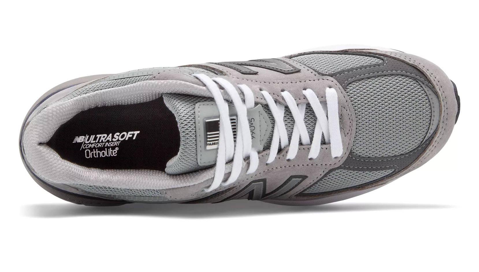 best sneakers 573b0 e66fb New Balance 990v5 vs 990v4 - Differences Explained ...