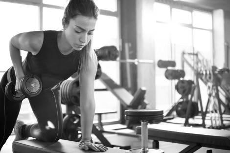 Für Muskelaufbau müssen Frauen hart trainieren