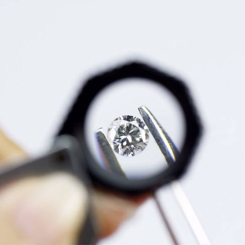 Jewellery Expertise Magnified Gemstone