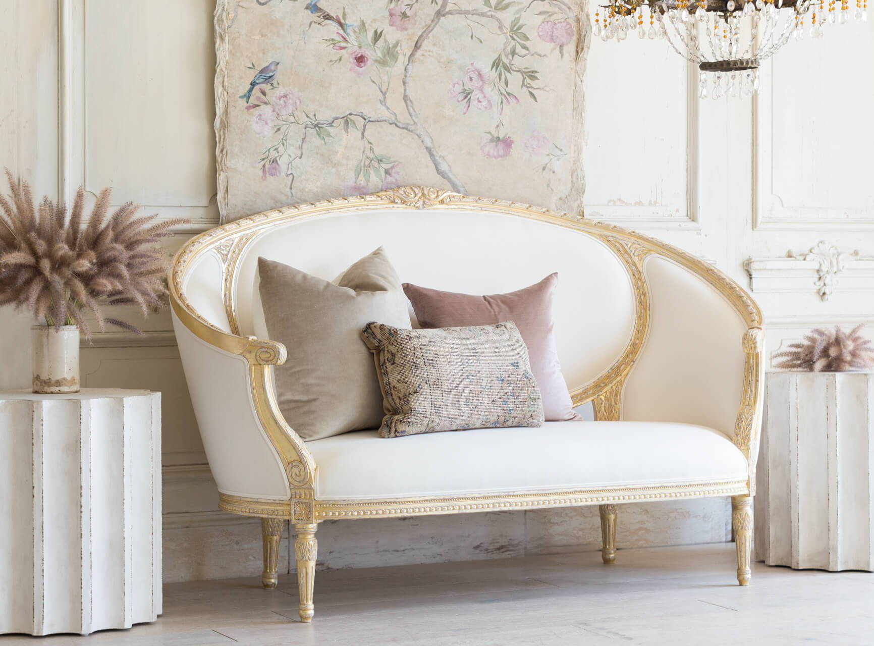 Eloquence® Versailles Canape in White Linen and Gold Leaf Finish