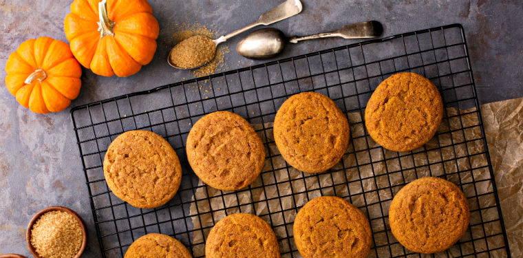 Vegan Pumpkin Pie Snickerdoodle Cookies