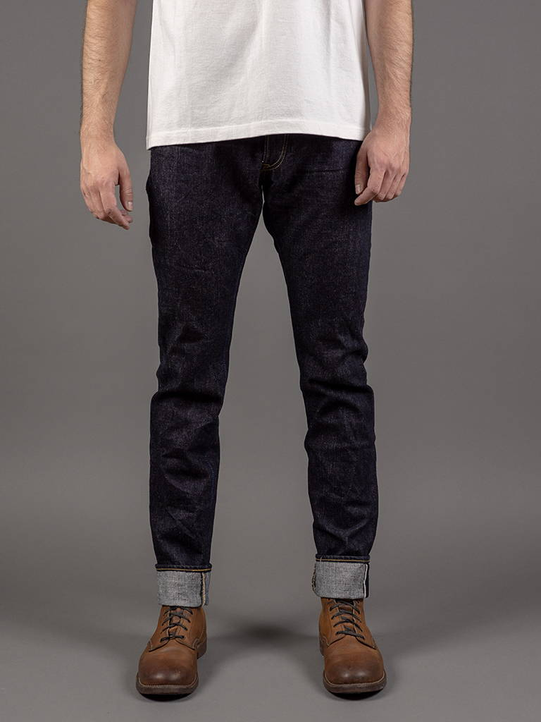 RETRO HIGH TAPERED JEANS