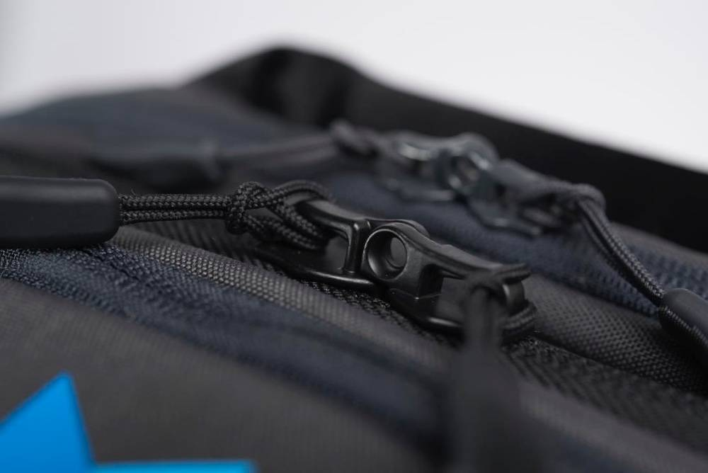 Minaal Carry-on 2.0 - Lockable YKK zippers