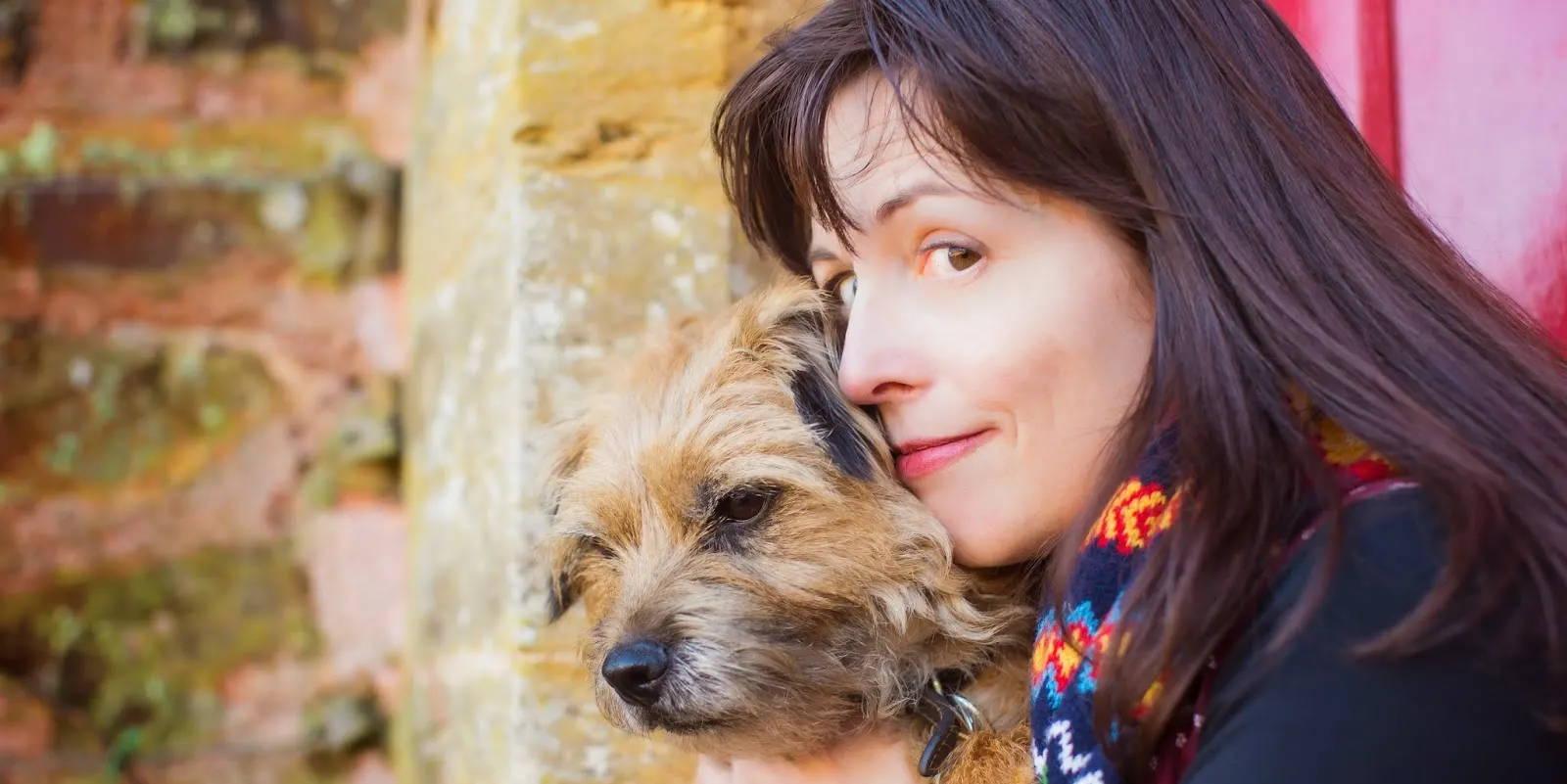 Author Claire Barker visiting the Harbour Bookshop   Kingsbridge  Devon