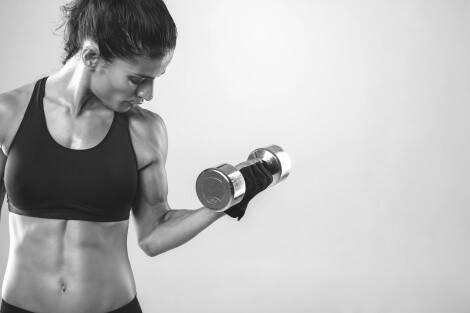 Muskelaufbau bei Frauen läuft im Prinzip wie bei Männern