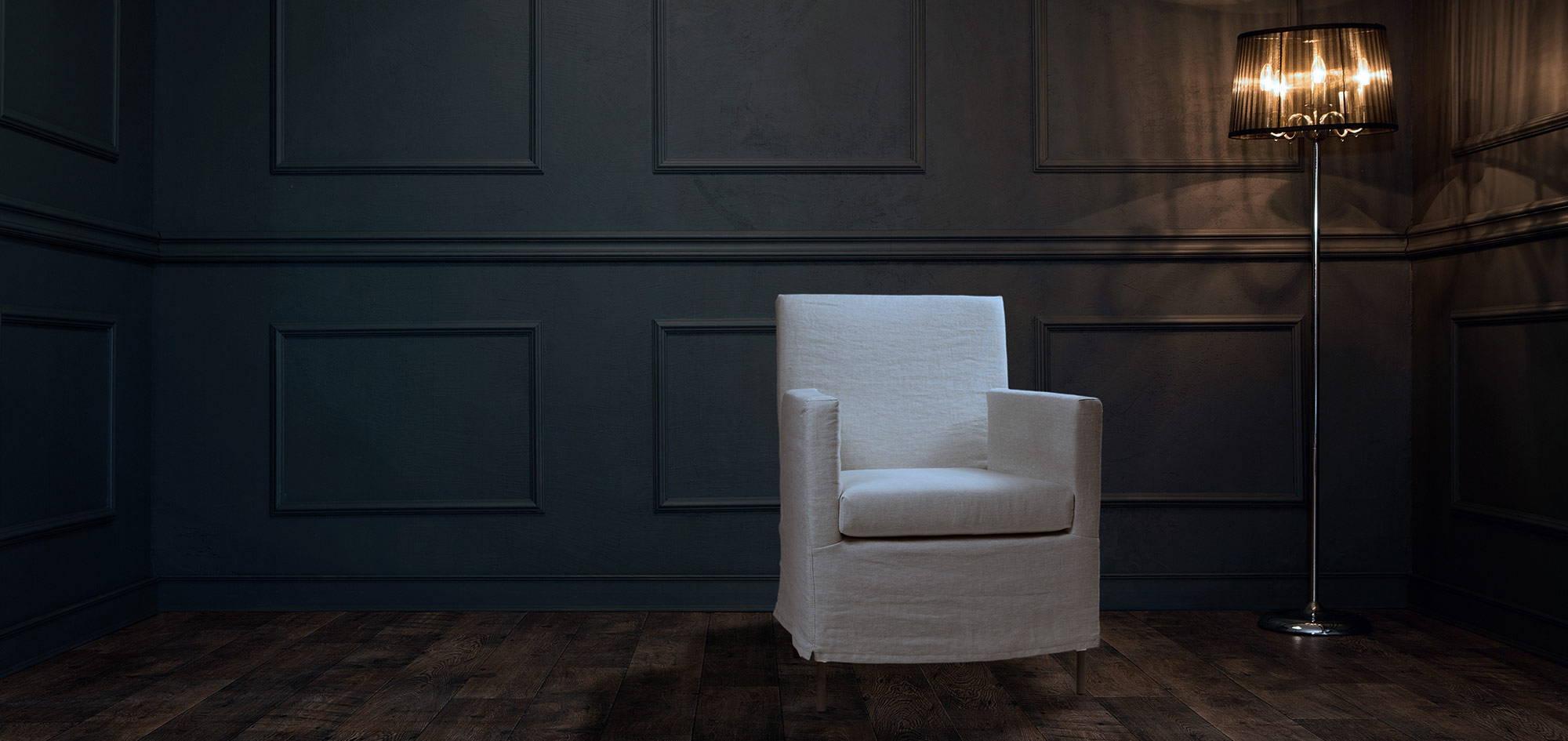 Pisa-tuoli, valkoinen kangas. HT Collection