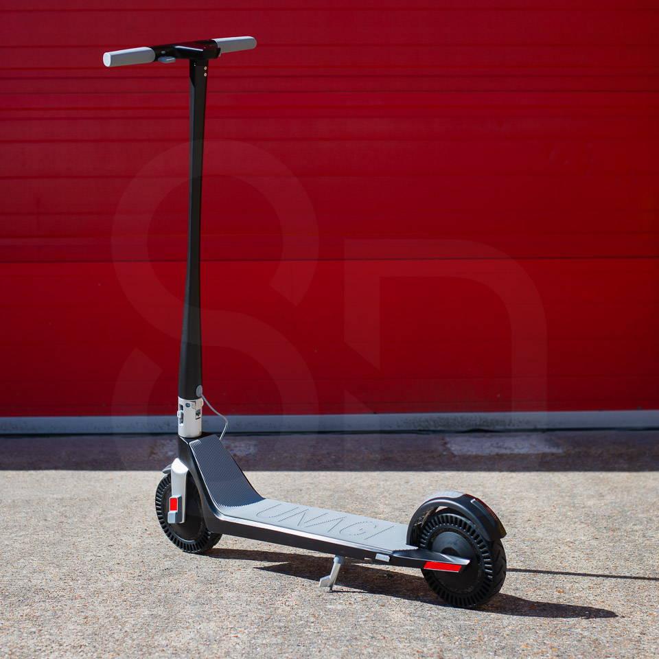 Unagi Model One Scooter Review 細節後方