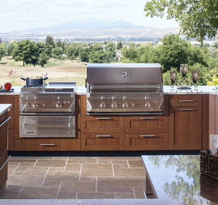 Shop Grills & Outdoor Kitchens