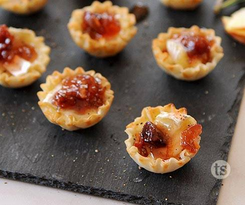 holiday spiced brie bites