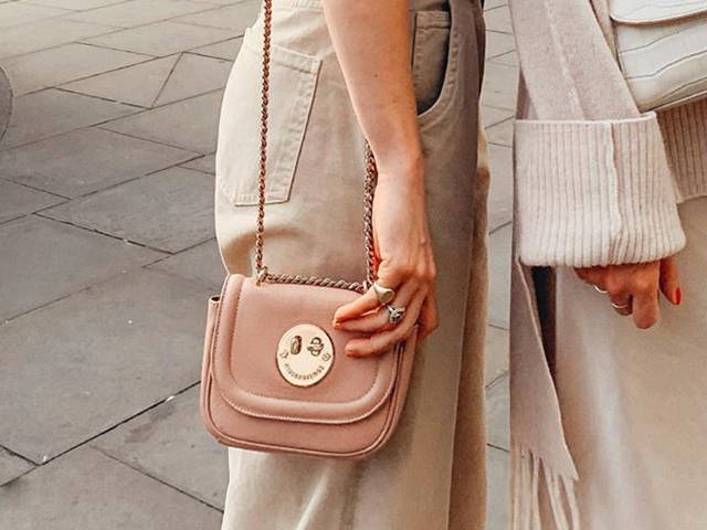 Cookie Dough Tweency Chain Bag as worn by @belleandbunty