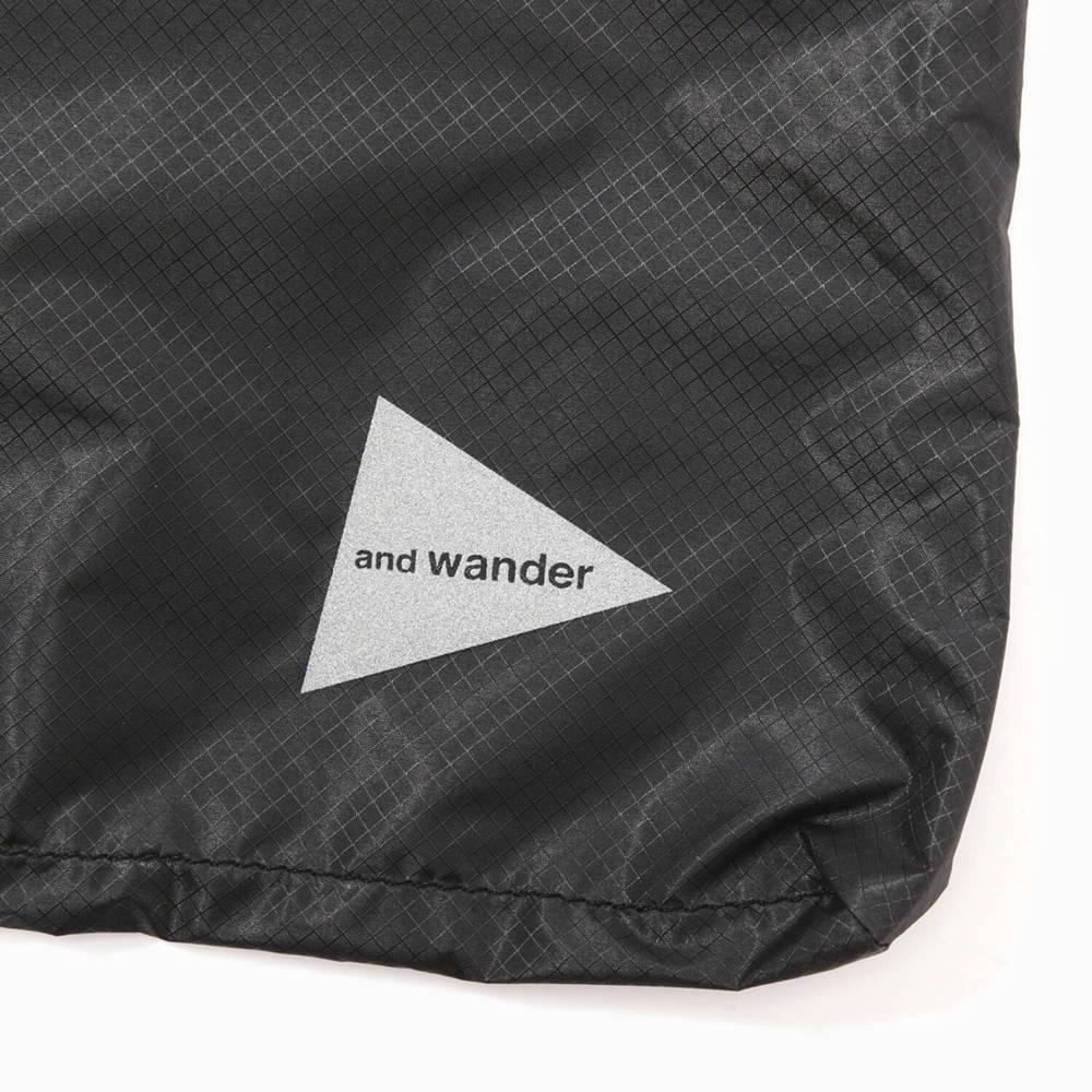 andwander(アンドワンダー)/シル サコッシュ/カーキ/UNISEX