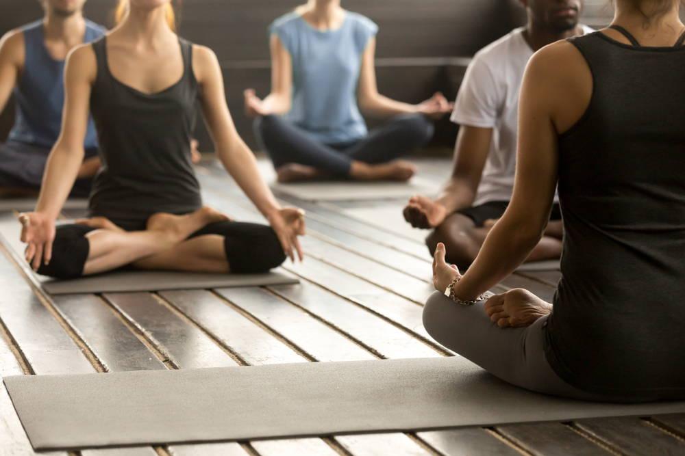 stretches-yoga-poses-detox-body