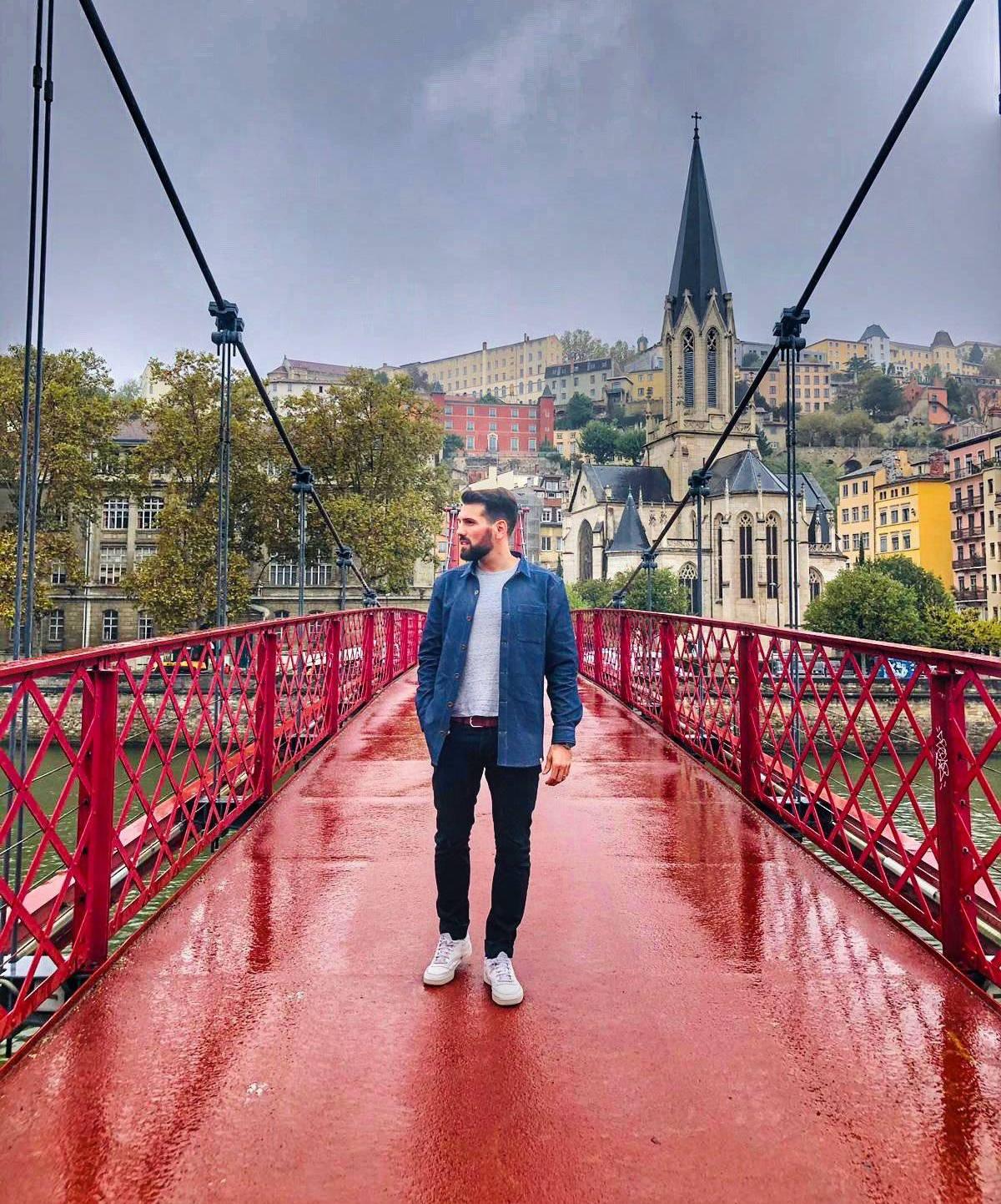 Une veste intemporelle à Lyon, en direct de créateur d'Annecy