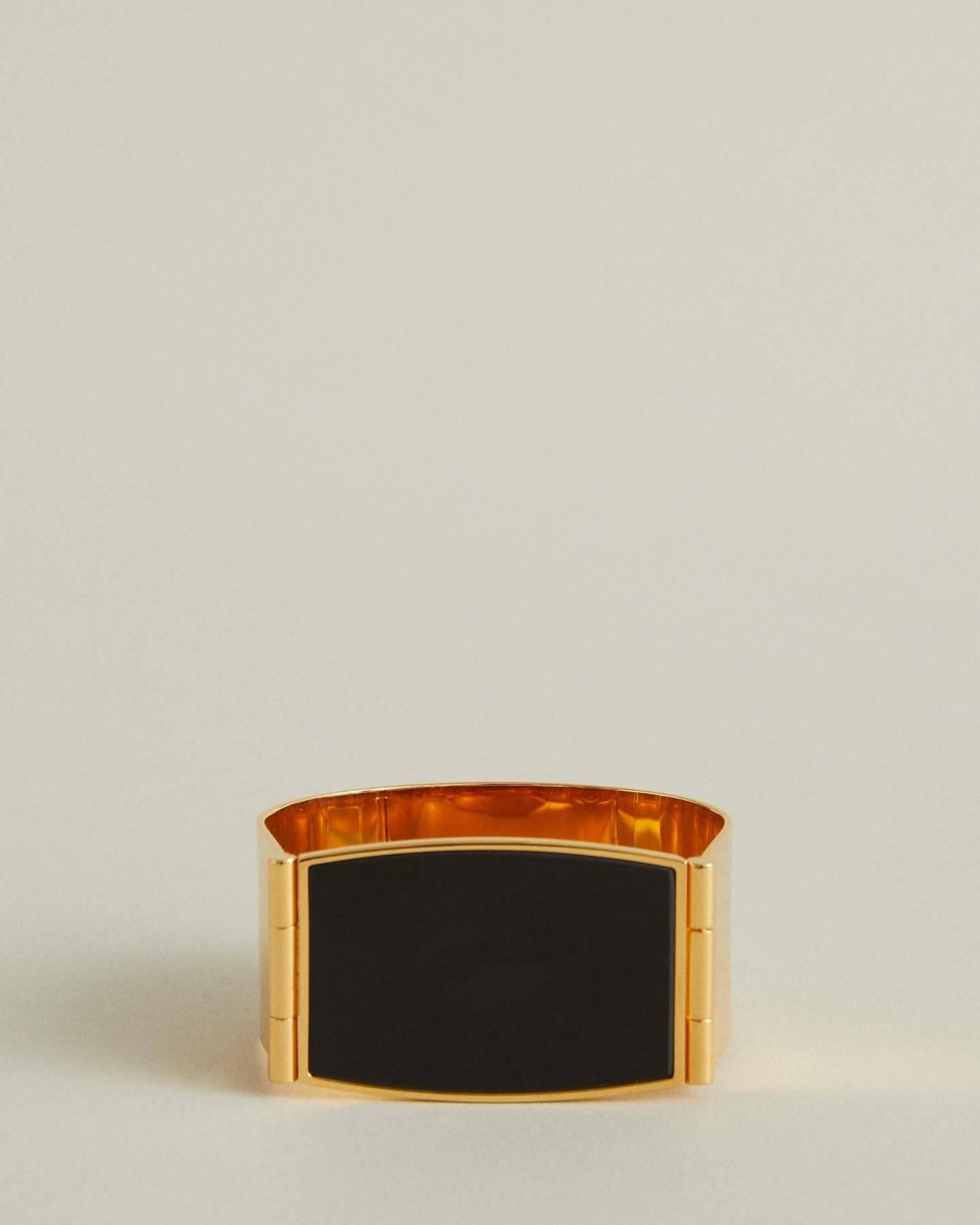 /products/lock-bracelet-2