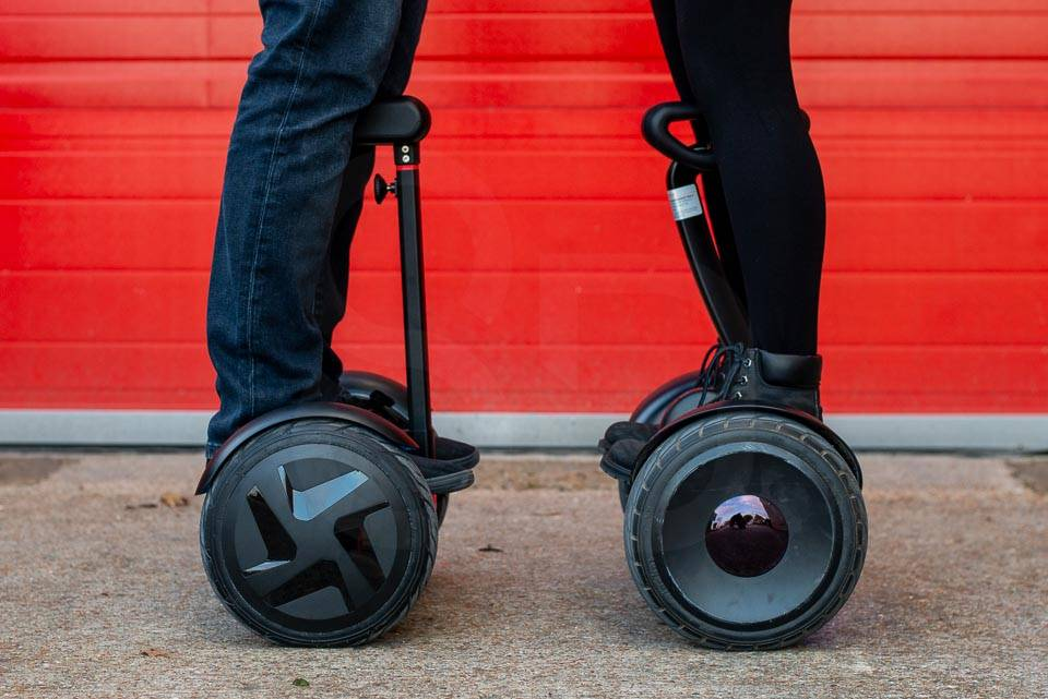 InMotion E3 hoverboard ninebot mini comparison head to head side