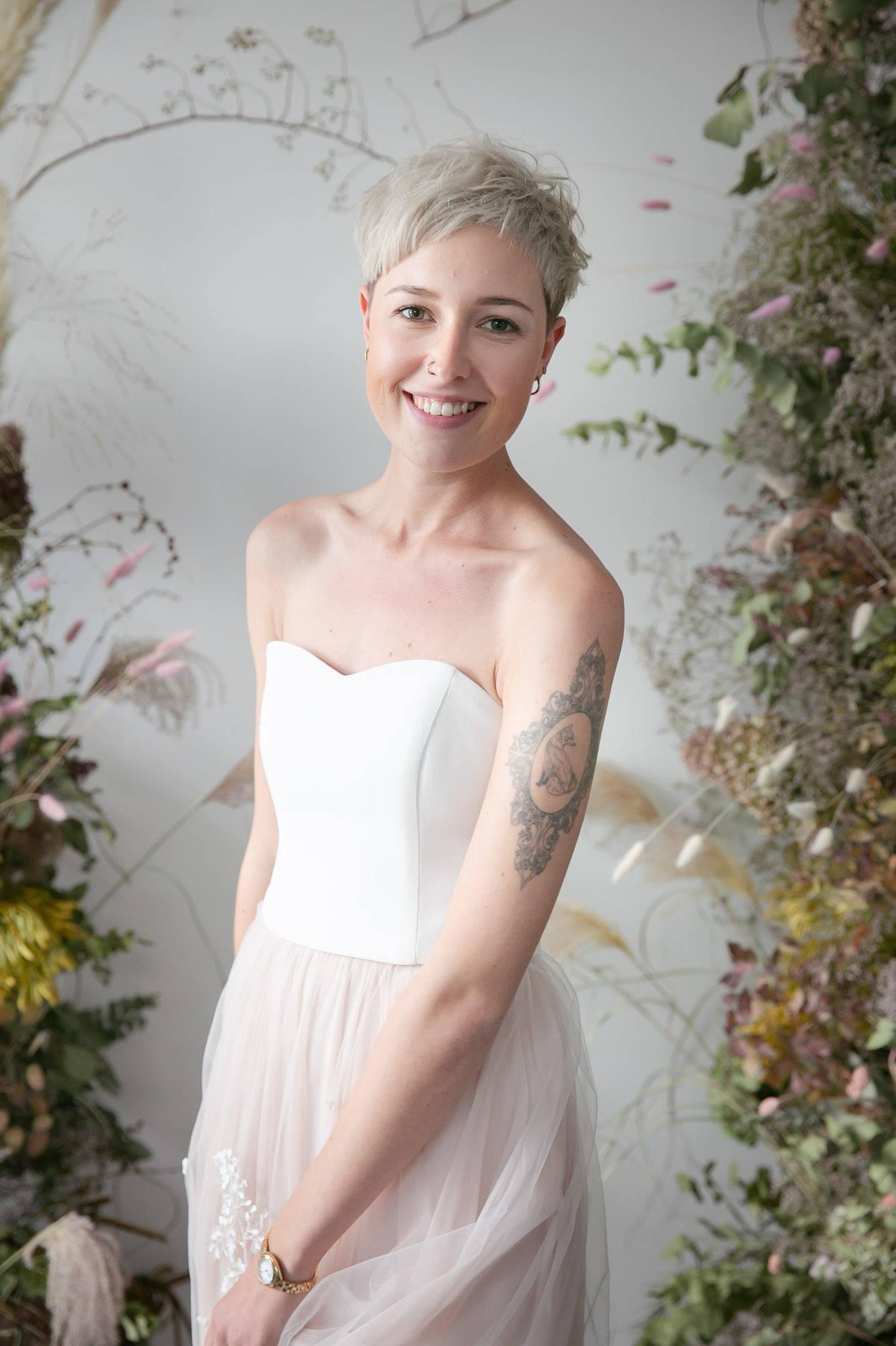 noni Brautkleider, moderner Brautkleid Zweiteiler mit Corsage nd farbigem Tüllrock