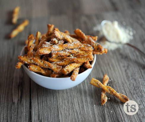 easy garlic parmesan pretzels