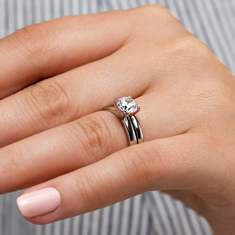Traditional Solitaire Wedding Ring Set