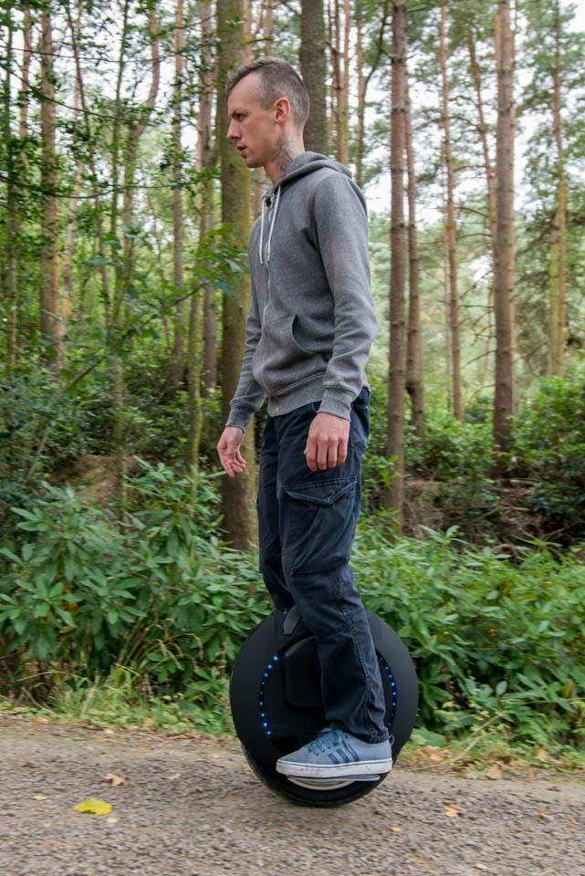Kingsong KS16S Review riding off road