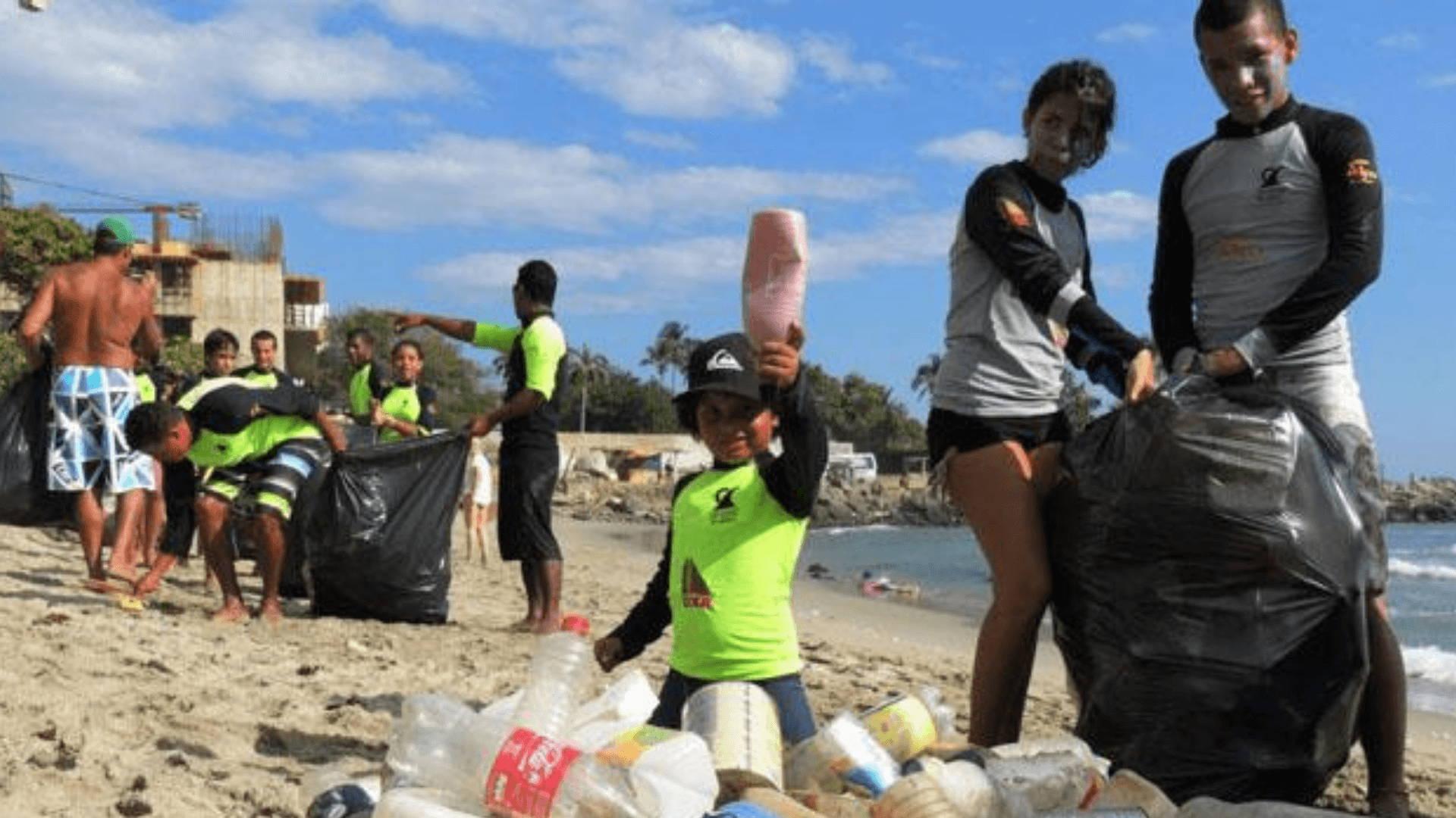 Granito de Arena Trash Clean-Up