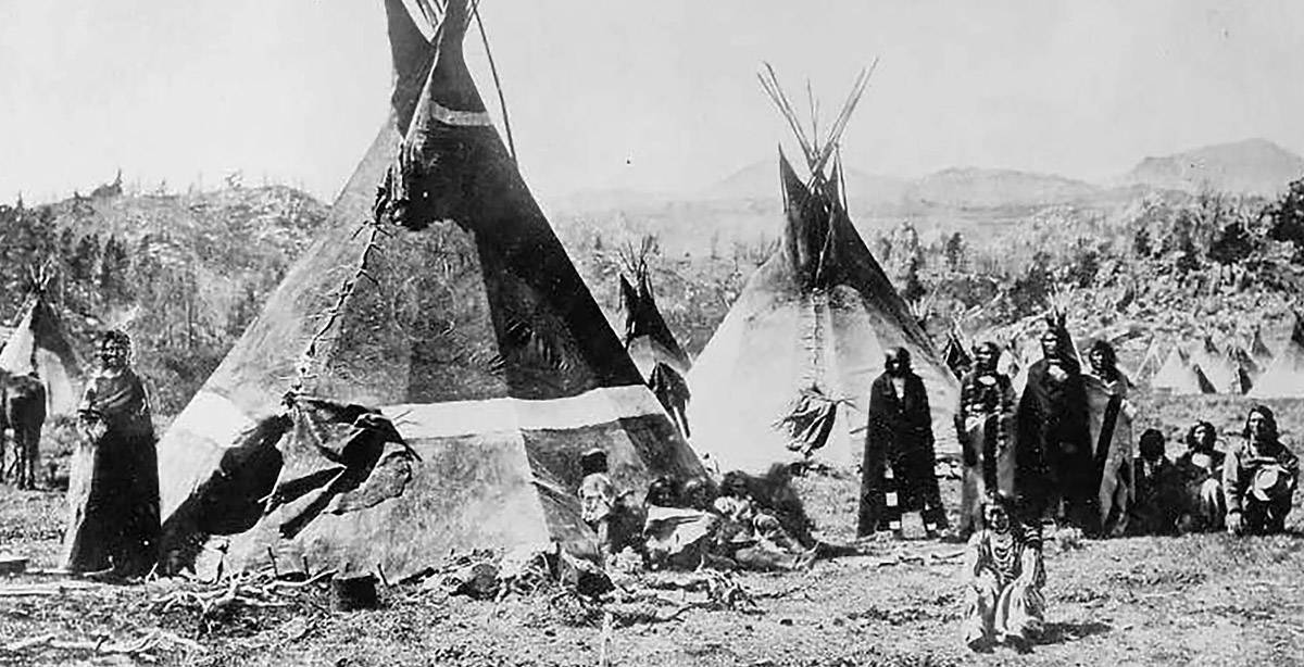Shoshone camp along the Oregon Trail