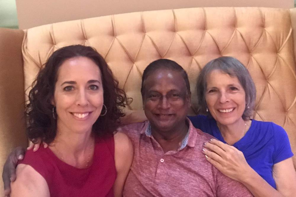 Travelbay Sri Lanka Tours - Nikki and Nicola with guide Rana