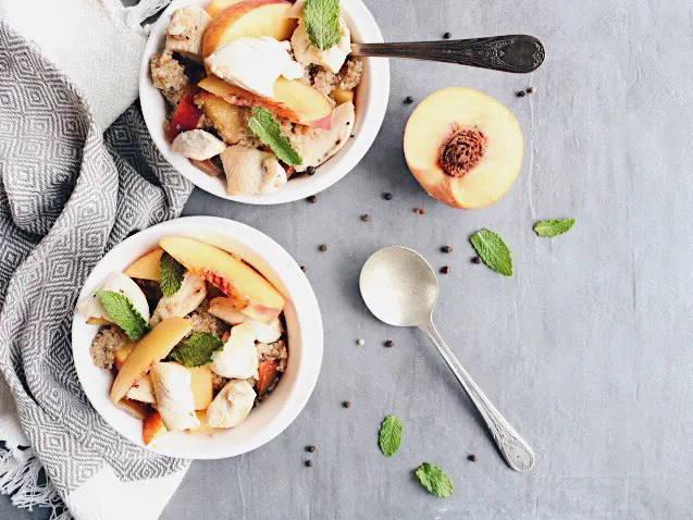 Recette de poulet et quinoa, avec tomates et nectarines, sur le blogue santé signé Isabelle Huot Docteure en nutrition