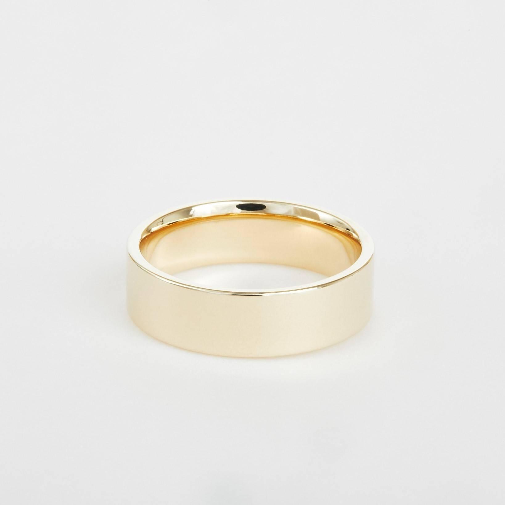 flat yellow gold wedding band