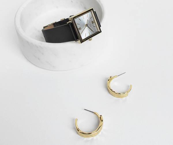 Find magnificent minimalist watches
