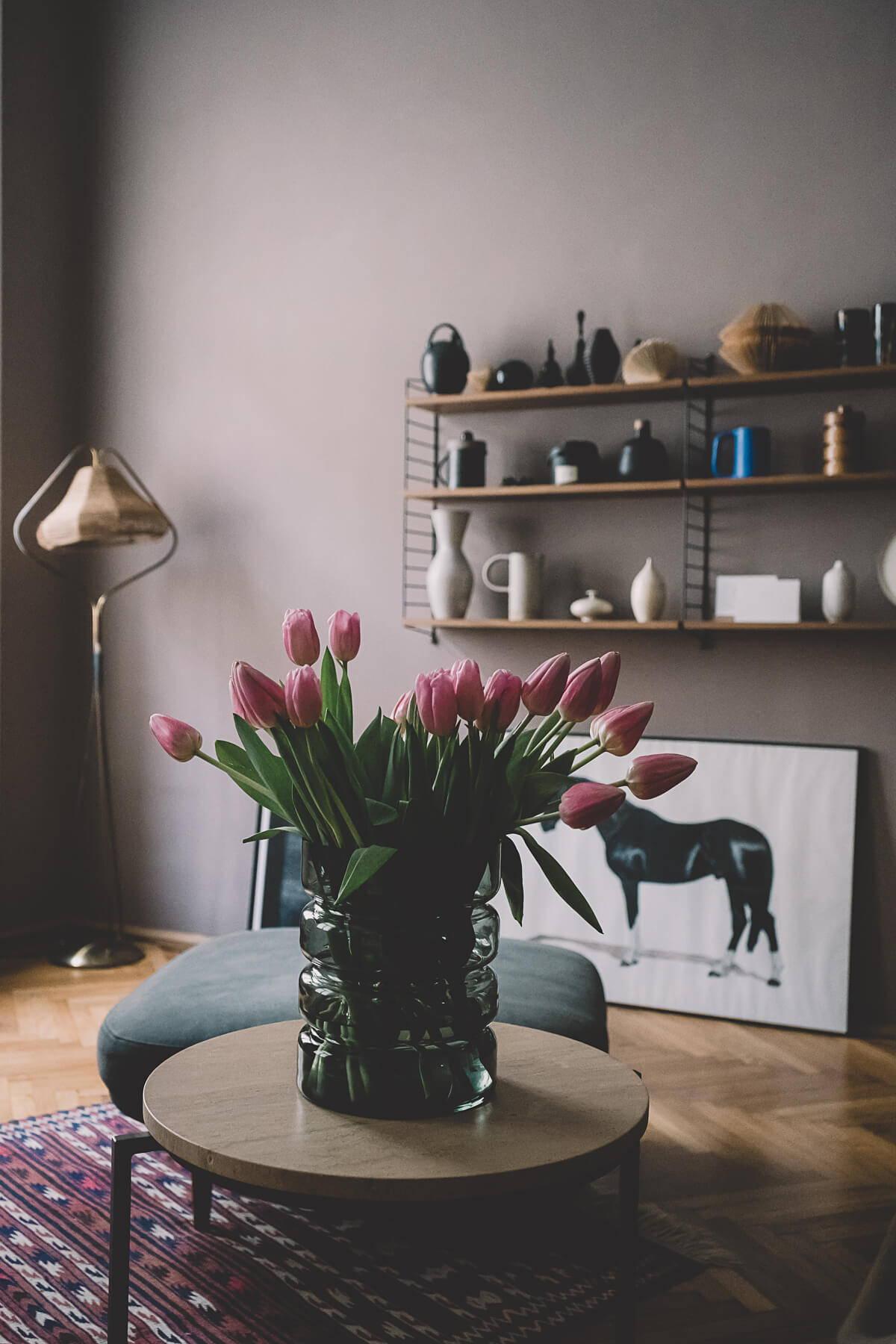 """Vase """"Hildegard"""" in rauchgrau aus der Sellerie-Kollektion"""