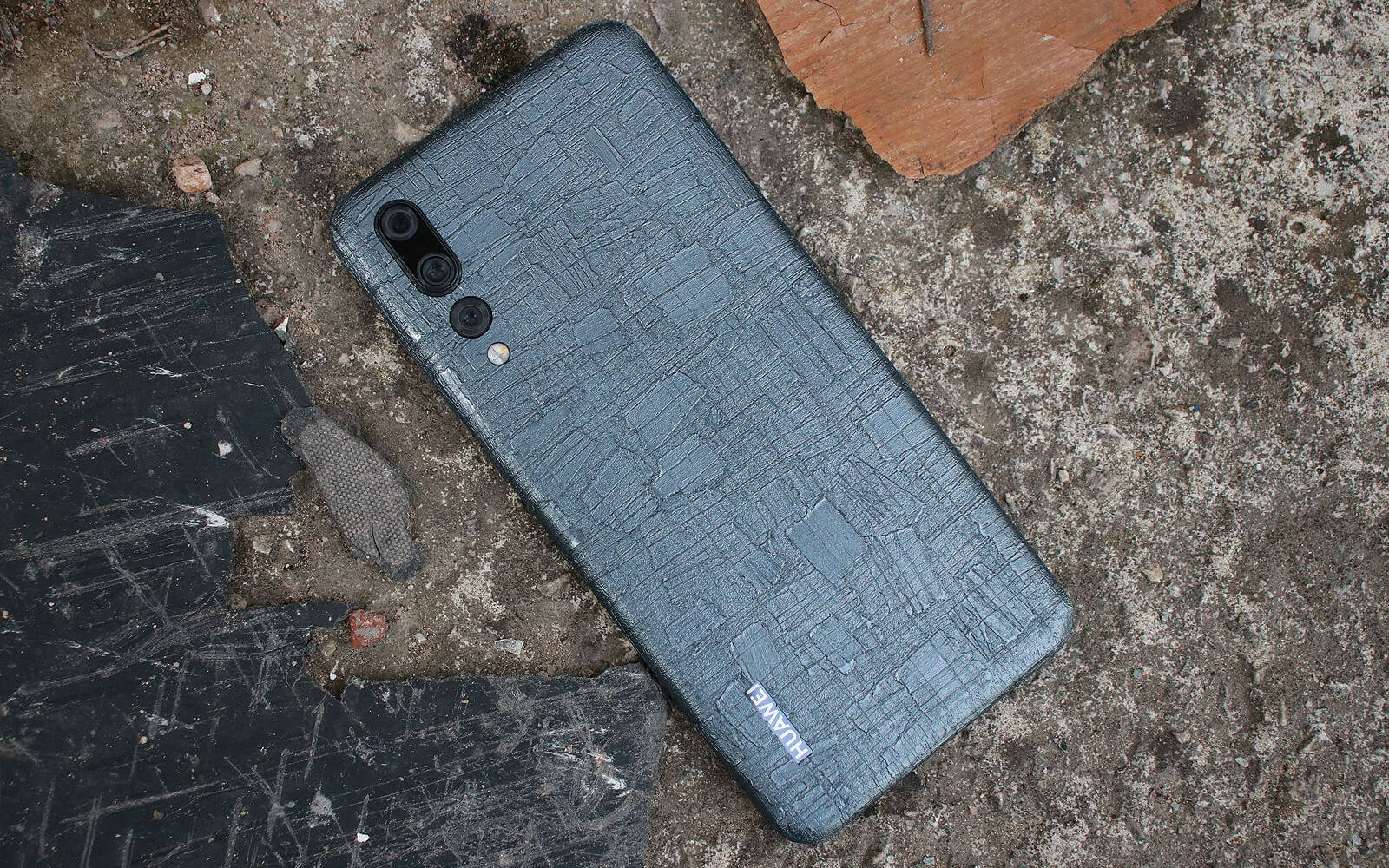 Huawei P20 Pro Carved Charcoal Skins