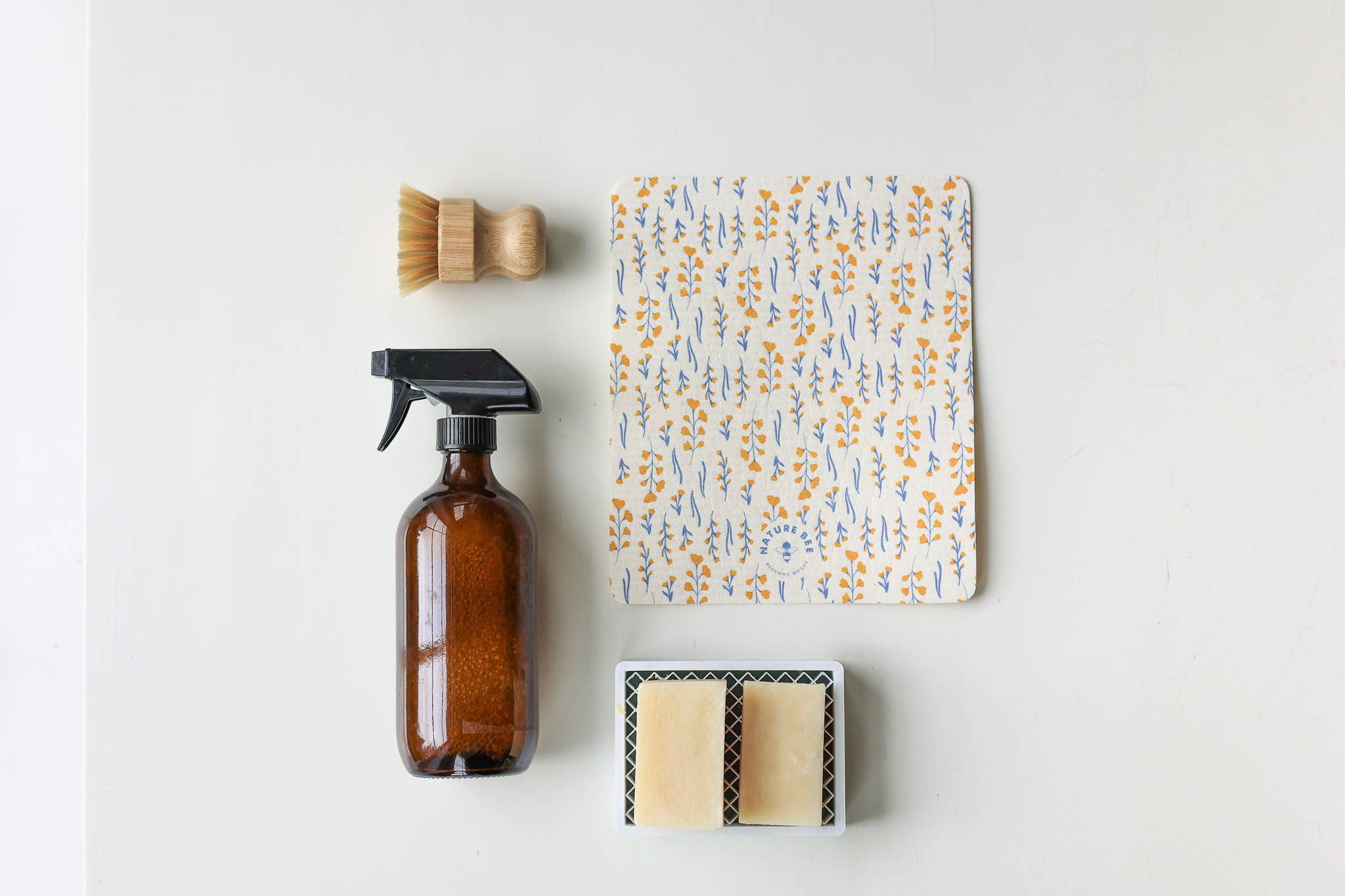 Nature Bee Beeswaxwrap Spring Cleaning Guide