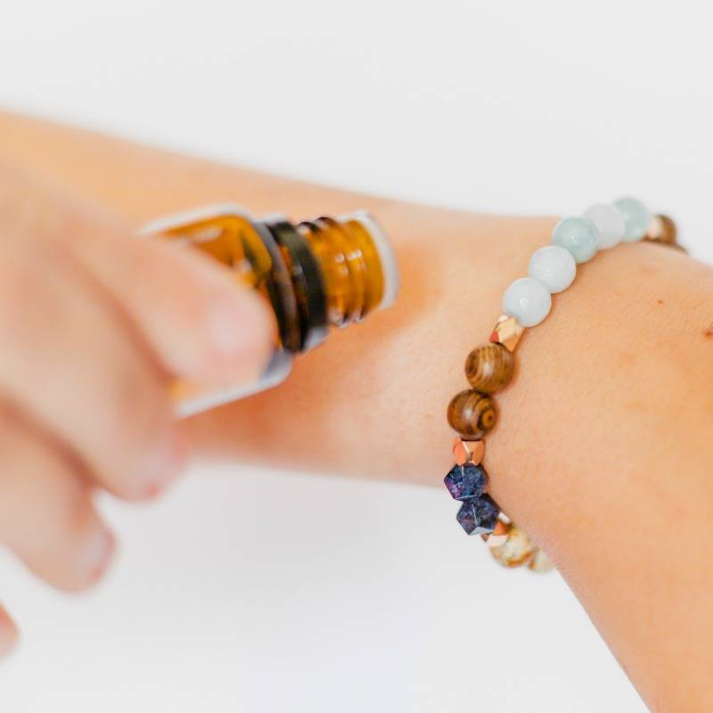 How to apply essential oils to a diffuser bracelet