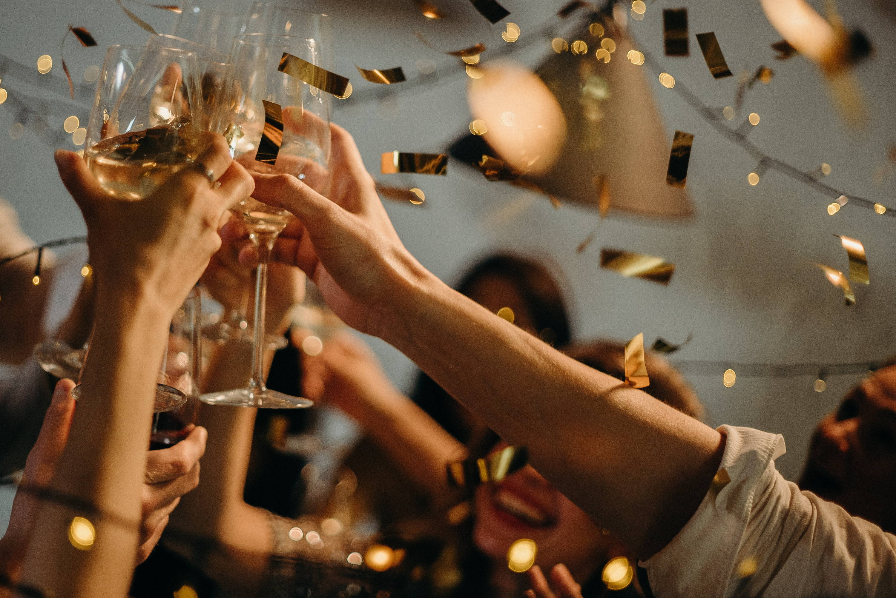 Dubai's Hottest New Year's Eve Events 2020 & What To Wear To Them