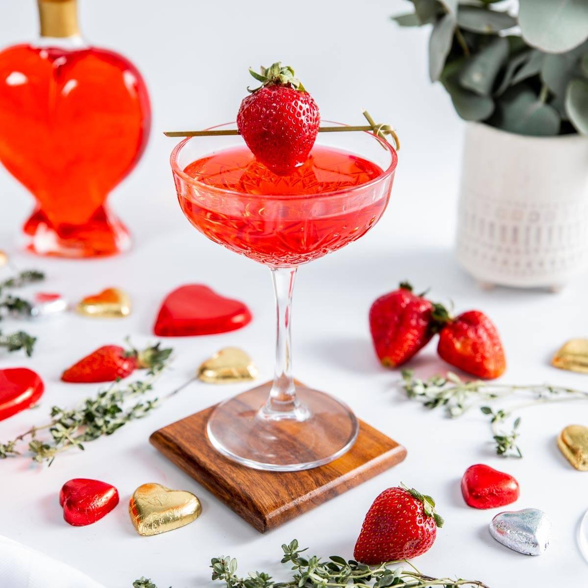 Loved Up Strawberry Gin & Tonic - Flaschengeist