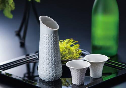 Gifts for the Host - Lladro Hitoiki Sake Set