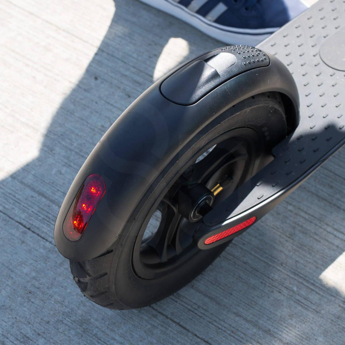 體面的 X7 踏板車尾燈