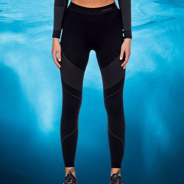 Sailing trousers, pants and shorts for women