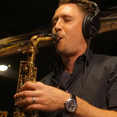 Saxophone player and teacher Dave Pollack playing saxophone