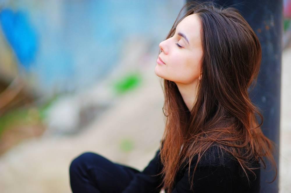 woman-thinking-positive-self-talk
