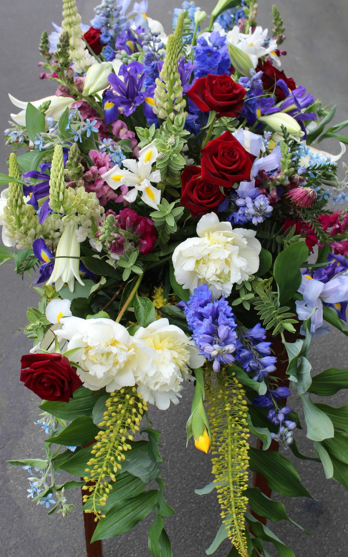 Funerals Beautiful Casket Arrangements Estelle Flowers Dunedin Nz