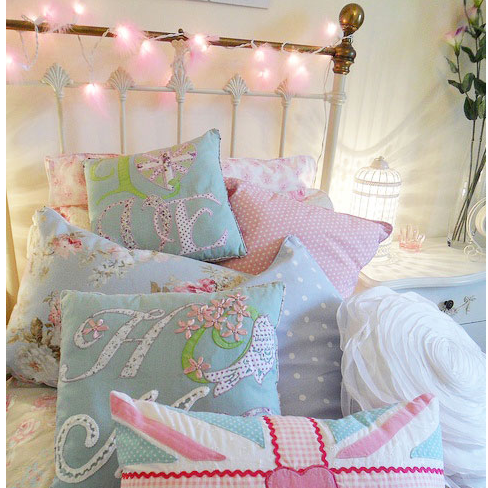 sports shoes 01f3f af4cf Bedroom Fairy Light Ideas: From Vintage to Quirky ...