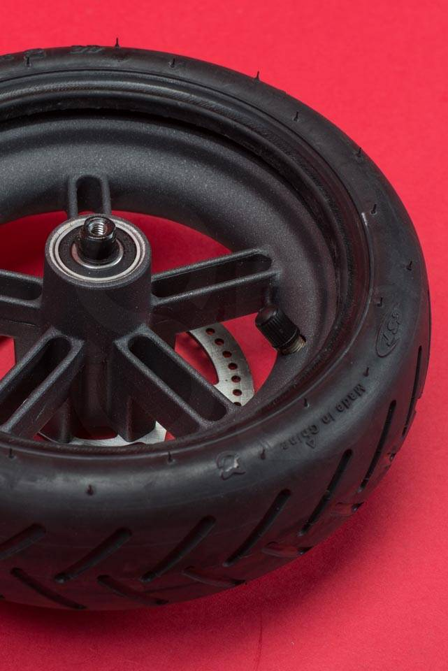 Xiaomi Mi M365 Electric Scooter tyre change tire puncture insert wheel into tyre seated flip over