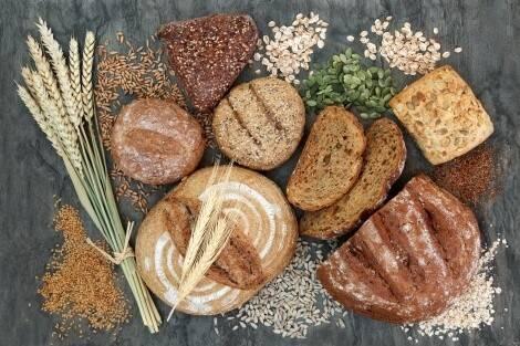 Le pain complet contient beaucoup de fibres