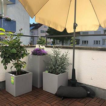 Baser Balkonschirmständer Balkon Pflanzen sonnig Schatten Pflanzentöpfe
