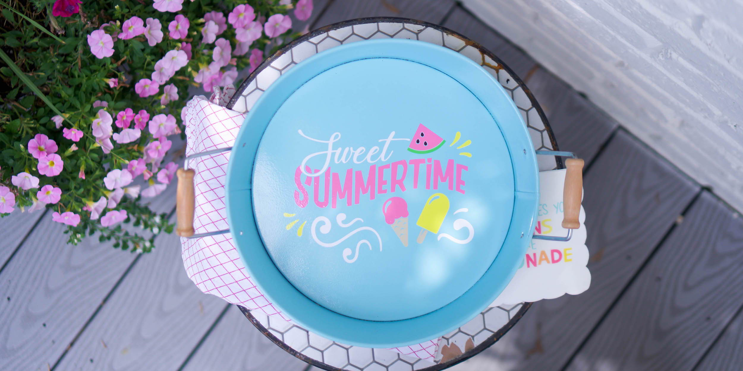 Adhesive vinyl summer serving tray